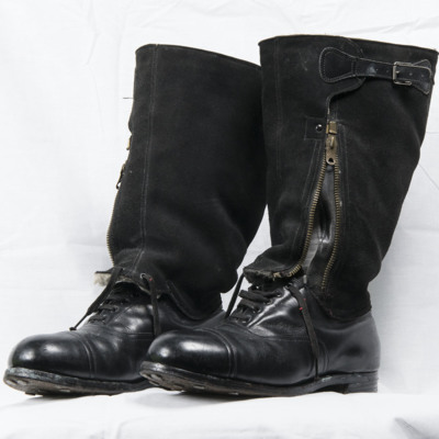 Malcolm Staves' Flying Boots
