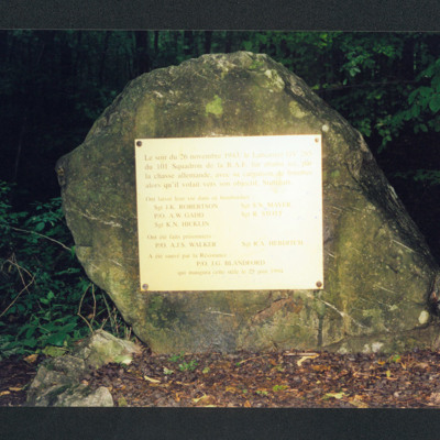 Memorial to Robert Stott and his crew