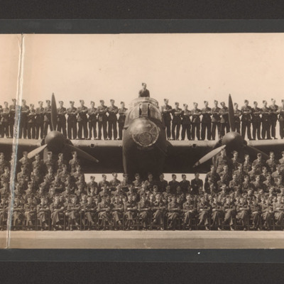 Squadron aircrew with Lancaster