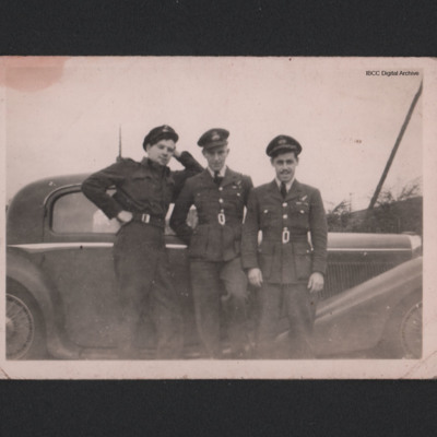 Walter Smith and two airmen