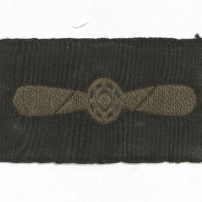 Leading aircraftwoman badge