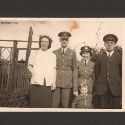 Reg Jaques and family members