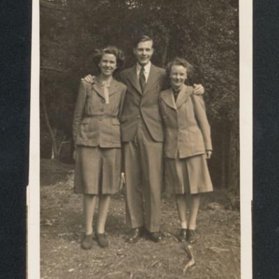 Len Dorricott and two women