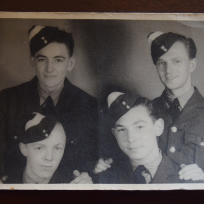 Bernie Harris and three trainee airmen