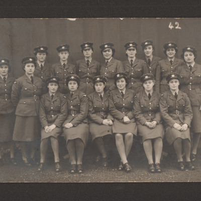 16 members of the Women's Auxiliary Air Force