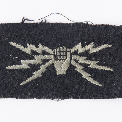 Frank Hobbs wireless operators arm badge